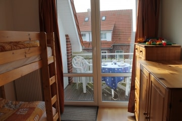 5 OG Zimmer mit Etagenbett & Balkon