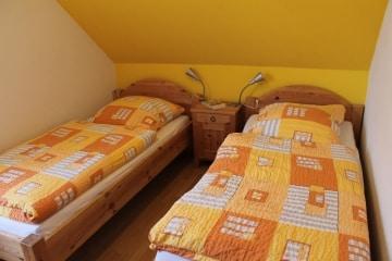 7 OG Zimmer mit Einzelbetten